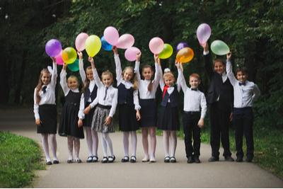 卒業を祝う会 小学校 イベント 子供