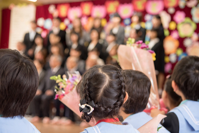 卒園式 写真撮影 保護者 洋服 保育園